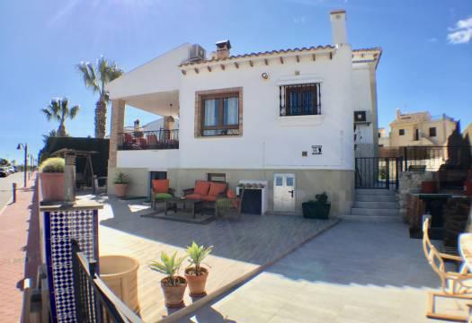 5 bedroom house / villa for sale in La Finca, Costa Blanca