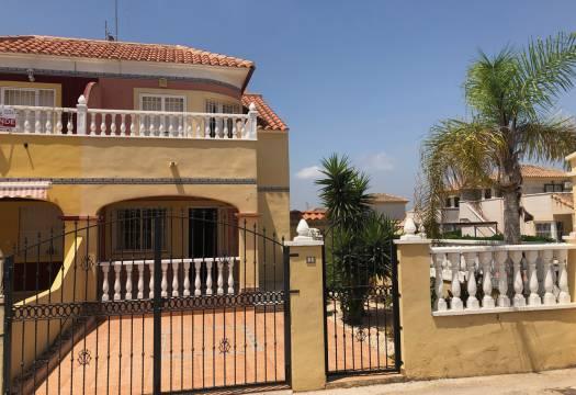For sale: 3 bedroom house / villa in Lo Crispin