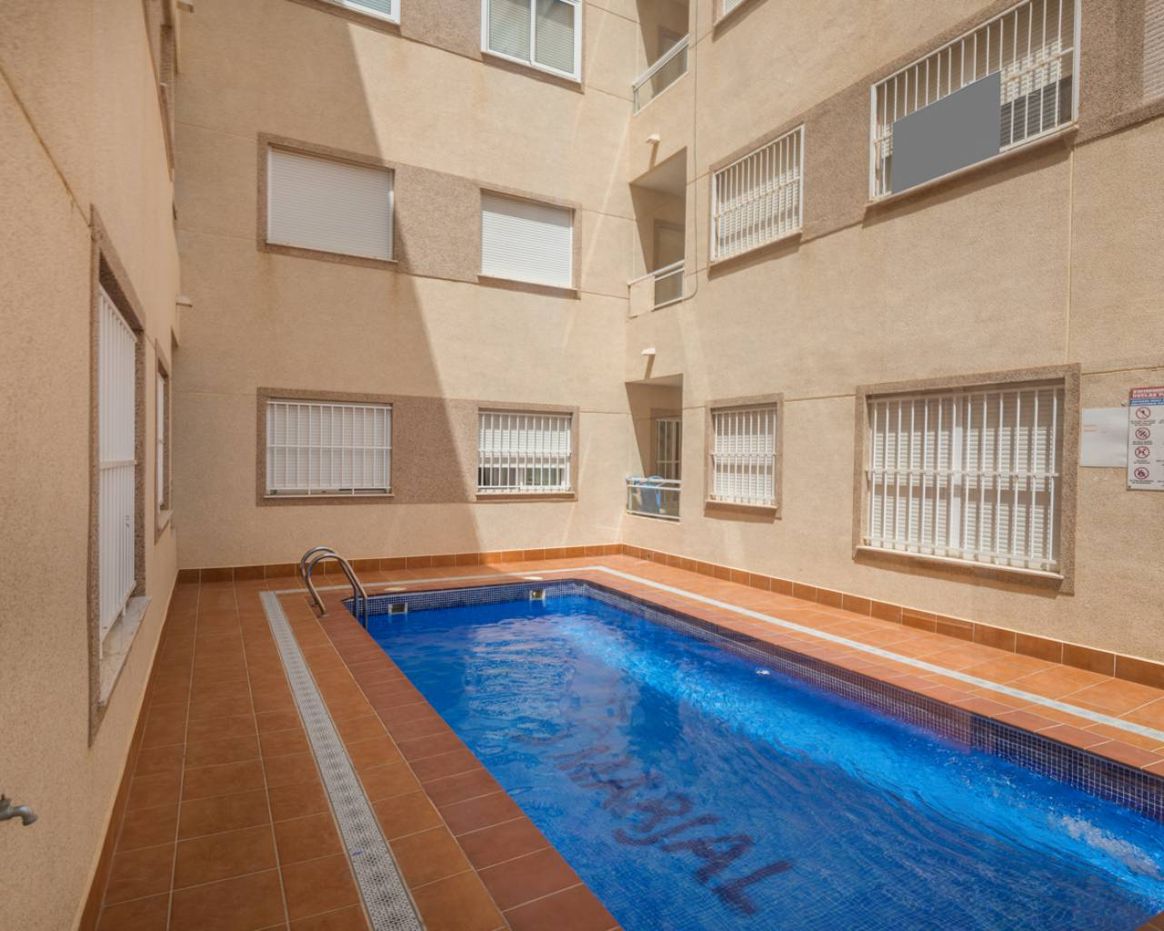 Swimming pool | Apartment with pool for sale in Formentera