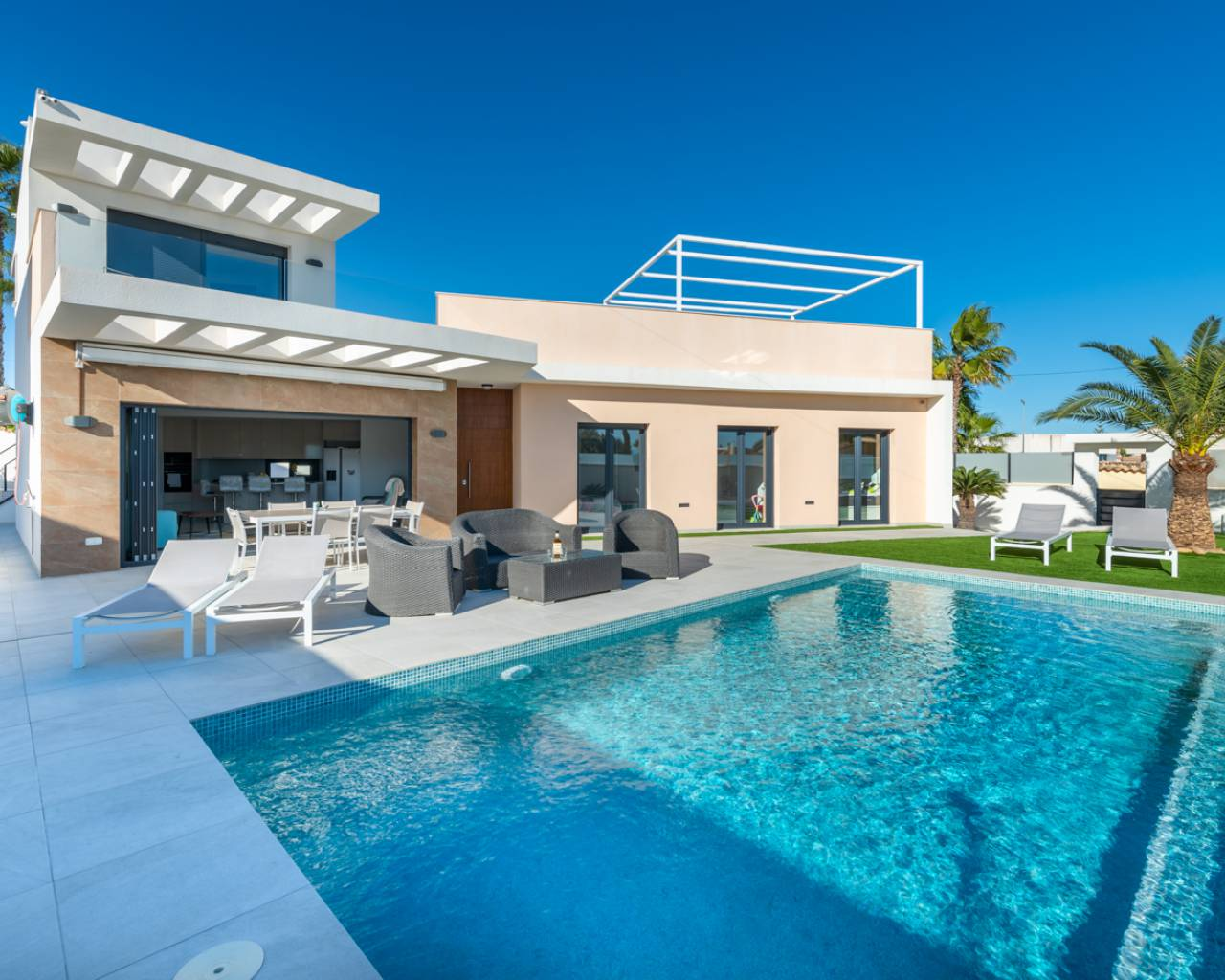 Swimming pool view-Swimming pool view-Beautiful; 4 Bedroom Villa for sale in Quesada