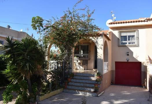 2 bedroom house / villa for sale in La Siesta, Costa Blanca