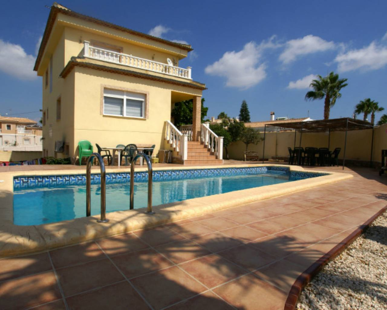 frontview-detached-villa-for-sale-monte-azul